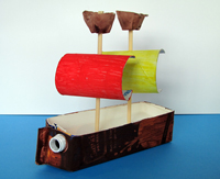 Sqooll.com DIY pirate ship craft activity for kids age 2 - 6