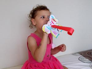 Sqooll.com African Safari Kid Activity Pack Let's make binoculars!